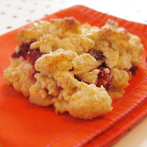 Scones with Cranberry Sauce