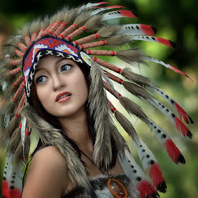 indiana girl by Vian Arfan - People Portraits of Women