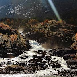Gjendesheim i norge by Mona Martinsen - Nature Up Close Water (  )