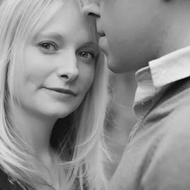 Engagement [1] [B&W] by Dominic Lemoine Photography - People Couples ( love, woman, bnw, man, engagement )