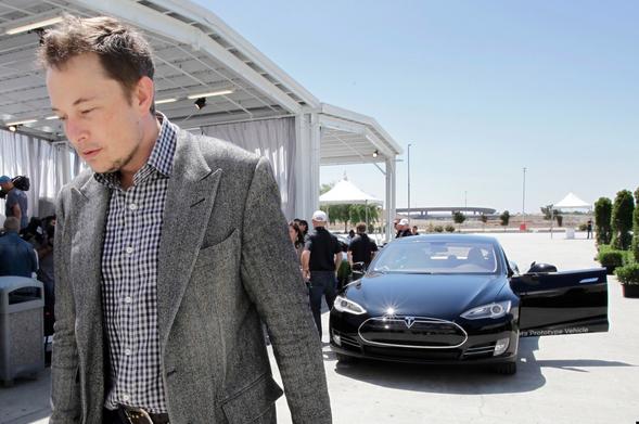Is Tesla Motors Owner Elon Musk Dating Cameron Diaz