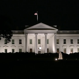 Back of the White House by Tyrell Heaton - News & Events US Events ( iphone )