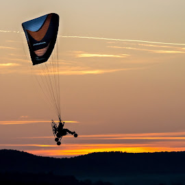 Sunset flying by Zoran Rudec - Sports & Fitness Other Sports ( paragliding, sunset )