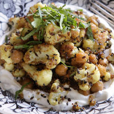 Spicy Cauliflower And Chickpeas With Minted Yoghurt