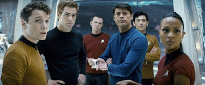 Star trek equipe toda reunida dentro da nave Enterprise. Filme novo Jornada nas estrelas 2009