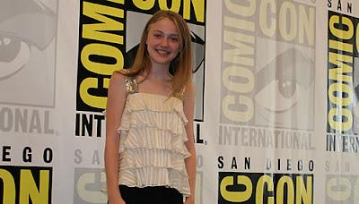 Dakota Fanning no Comic-Con em julho de 2008, divulgando o thriller de ficção científica Push