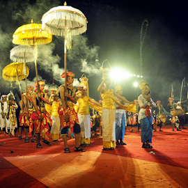 preparation to PRAY by Wen Exe - News & Events Entertainment ( bali, fog, festival, ogoh-ogoh, stage )