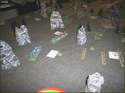 Debriefing de la journée Warmaster du Crazy Orc le 27/09/08 Tour%202%20du%20bien%20-%20flanc%20droit