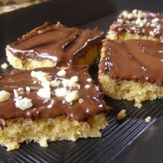 Quick, Easy Oatmeal Bars With Chocolate Topping
