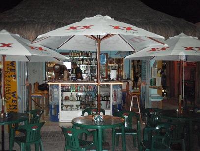 Wet Wendy's Margarita House - onde como as melhores quesadillas, bebo cerveja