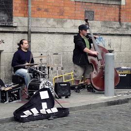 Street Rockin' by Gianni Frasca - People Musicians & Entertainers ( musicians, ireland, dublin, street, people, city )