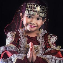 by Daniel Chang - Babies & Children Child Portraits