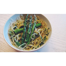 Kelp Noodles And Asparagus Tossed With Garlic, Pesto, Basil, And Avocado