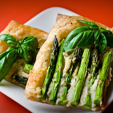 Asparagus Tart with White Bean Pesto