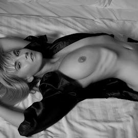 by Alan De Yeap  - Nudes & Boudoir Boudoir