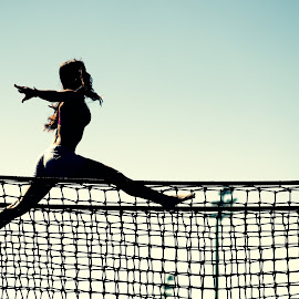 Freedom by Vítězslav Malina - Sports & Fitness Fitness ( girl, fitness, silhouette, sport, web, run, net, skip, profile, jump )
