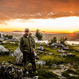 Selfie during sunset by Roy Friskilæ - People Portraits of Men ( selfie, friskila, selfiecontest, pixoto, contest, finnmark, norway, Selfie, self shot, portrait, self portrait )