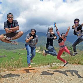 Unity by Pak Lang - People Family ( sisters, kundasang, jumping, family, outdoor, malaysia, jump, brothers, sabah,  )