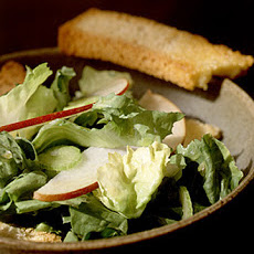 Escarole Salad with Pear Slices