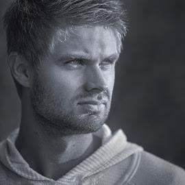 Stian by Johannes Mikkelsen - People Portraits of Men ( face, model, fashion, akerbrygge, actor, sunlight, norway, d800, oslo, norge, nikon, moviestar, boy, man )