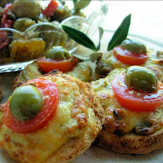 Mini Cheese and Olive Welsh Rarebit Bites for Festive Frolics!