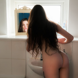 Klyxi looks at herself in her bathroom mirror by Ian Cartwright - Nudes & Boudoir Boudoir ( mirror, bottm, arse, woman, naked, liberated ladies, ass, bathroom )