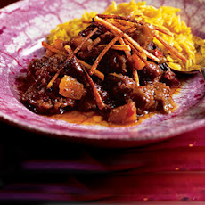 Salli Jardaloo Boti (lamb With Apricots And Fried Potato Straws)