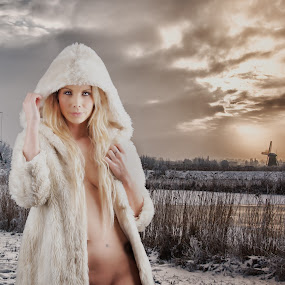 Kinderdyk Beauty by Colin Dixon - People Fashion ( nude, winter, kinderdyk, snow, fur, beauty, windmills, conceptual, coat )