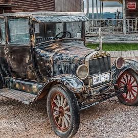 Old car by Izzy Kapetanovic - Transportation Automobiles ( car, old, vintage, automobilr, antique )