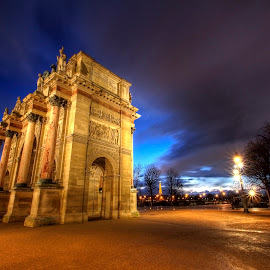 Arc de Triomphe du Carrousel by Ben Hodges - Buildings & Architecture Statues & Monuments ( arch, paris ·     louvre ·     statue ·     old ·     hdr ·     pyramid ·     fountain ·     france ·     historical ·     public ·     rain · night, long exposure )