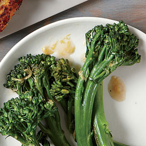 Shrimp Sautéed with Broccolini Recept | Yummly