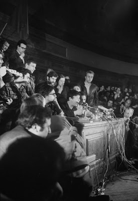 Cohn-Bendit speaking at the Sorbonne