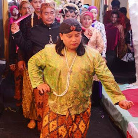 Java wedding ceremony... by Dwi Ratna Miranti - Wedding Ceremony