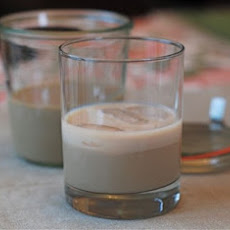 Homemade Bailey's Irish Cream {Naptime Entertaining}