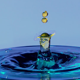 Bland lady by Fred Øie - Abstract Water Drops & Splashes ( abstract )