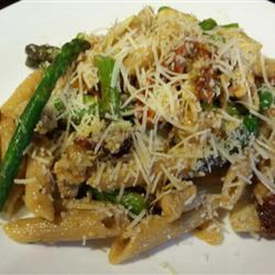Chicken Pasta with Asparagus, Sun-dried Tomatoes and Artichokes