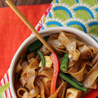 Drunken Noodles with Tofu and Peppers