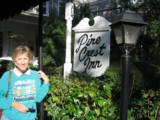 Pine Crest Inn Picture