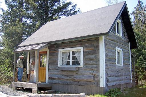 Harrison homestead cabin