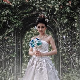 Secret Garden by Leslie Tan - Wedding Bride ( prewedding, wedding, bride,  )