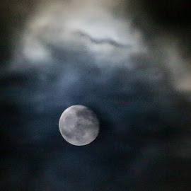Moon by T Mullaly - Novices Only Landscapes ( clouds, moon, bright, full, night )