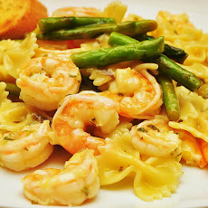 Garlicky Shrimp Veggy Pasta