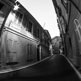 Deserted streets by Toma Teodor - Buildings & Architecture Architectural Detail ( fisheye, b&w, street, d7100, 8mm, france, nikon, black&white )