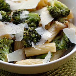 Pasta with Roasted Broccoli with Garlic and Oil