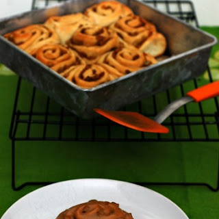 Caramel Apple Cinnamon Rolls {whats baking}