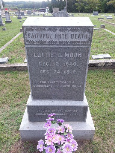 Lotties grave