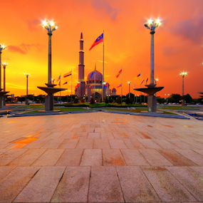 Putra Mosque by Azri Suratmin - Buildings & Architecture Places of Worship ( religion, islam, putra, sunset, putrajaya, azri, mosque, background, malaysia, azrisuratmin, golden, city, night )