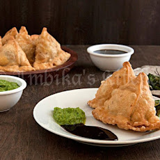 Samosa - Savory Indian Pototo Pies