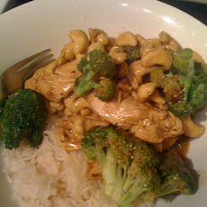 Spicy Cashew Chicken Stir Fry