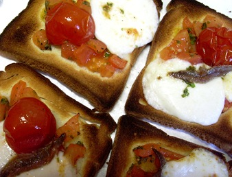 toasts moza tomates